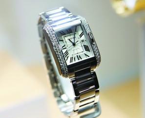 卡地亚手表的保养