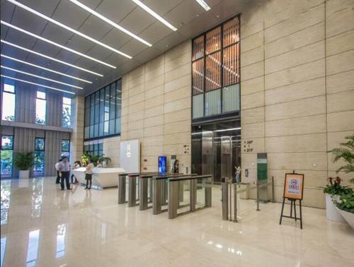 大楼里的电梯